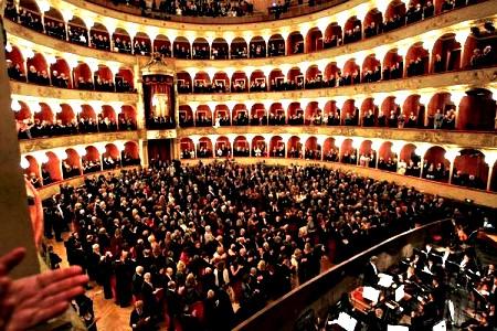 Рим билеты в театр билет на концерт руки вверх самара
